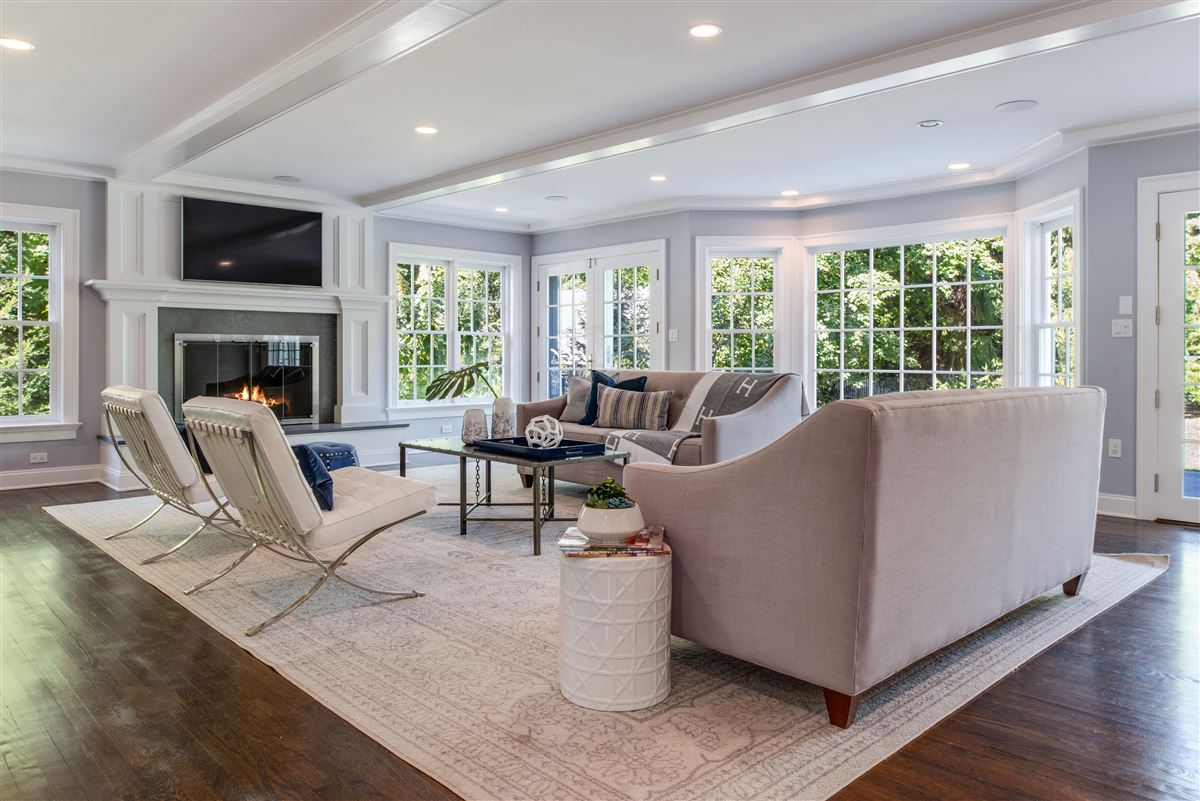 Mansions turnkey Rye Colonial