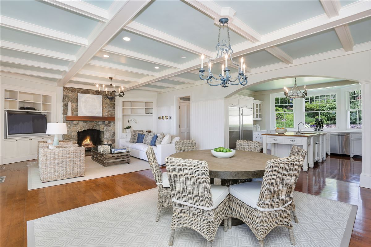 Mansions in Spectacular custom shingle style Colonial
