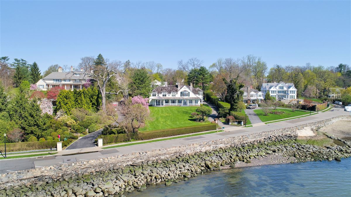 Spectacular custom shingle style Colonial  luxury real estate