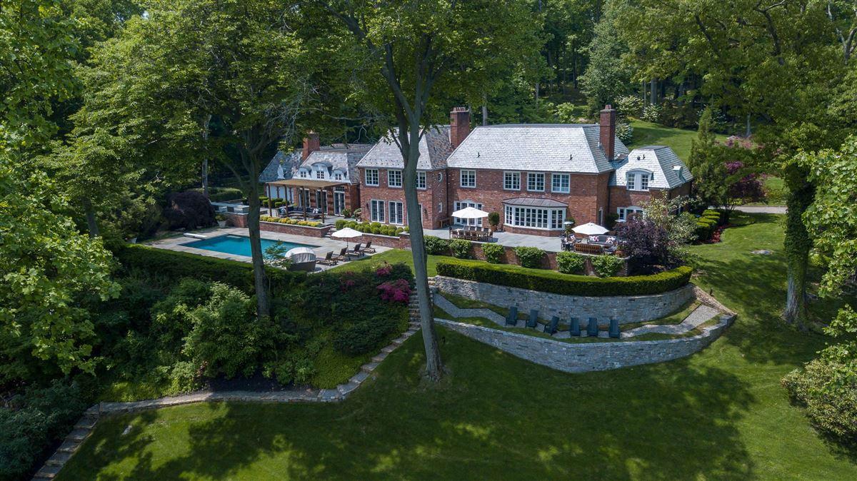 breathtaking Topping Lake estate luxury real estate