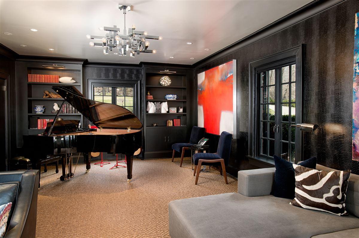 breathtaking Topping Lake estate luxury homes