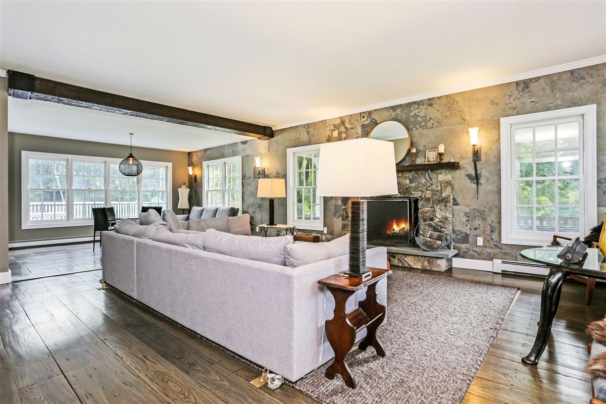 Luxury homes Grape Hollow