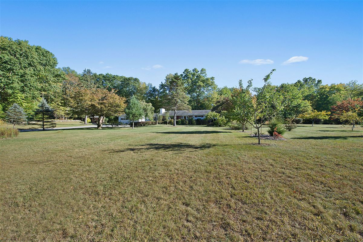 Mansions in Cloverly Farm - magnificent 65 acre property