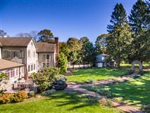 Luxury homes in Bedford Estate Compound on five private acres