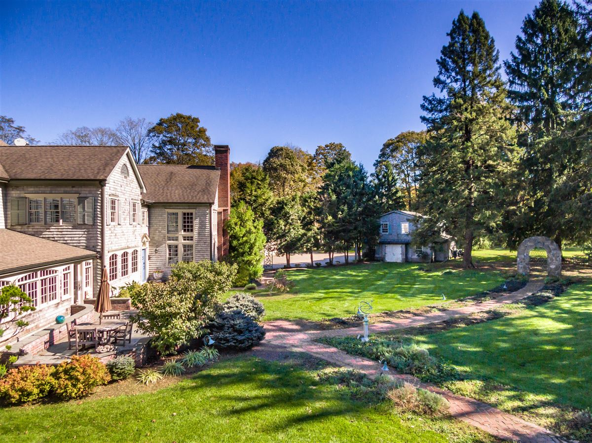 Bedford Estate Compound on five private acres luxury homes