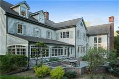 Bedford Estate Compound on five private acres luxury properties