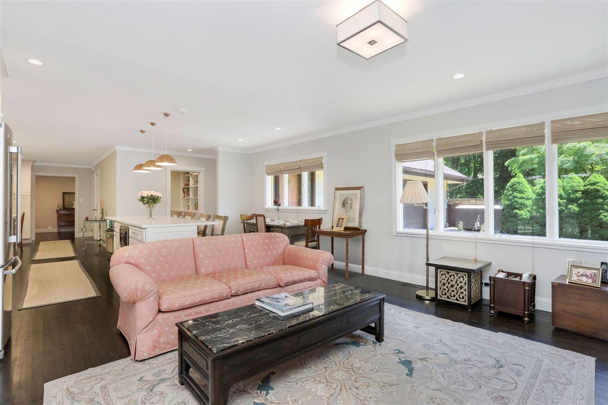 exquisite two-acre estate mansions