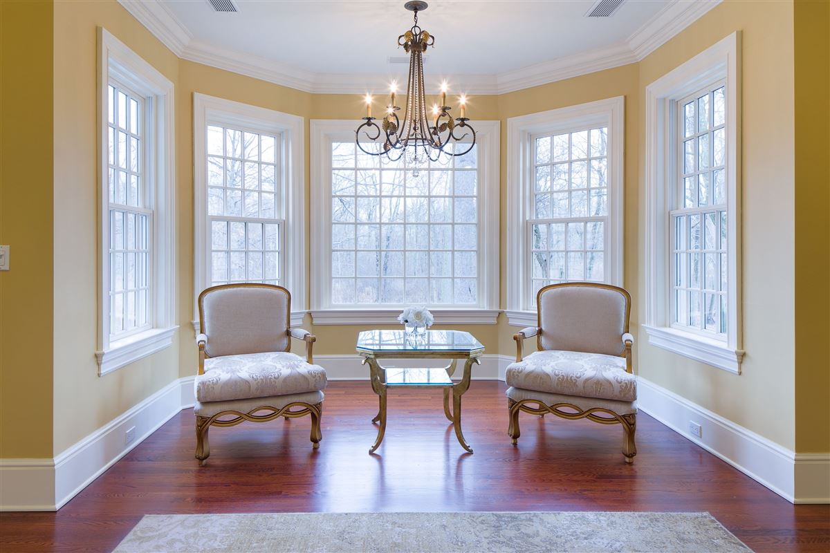 Luxury properties a Classic Shingle-Style Colonial in Purchase Estates
