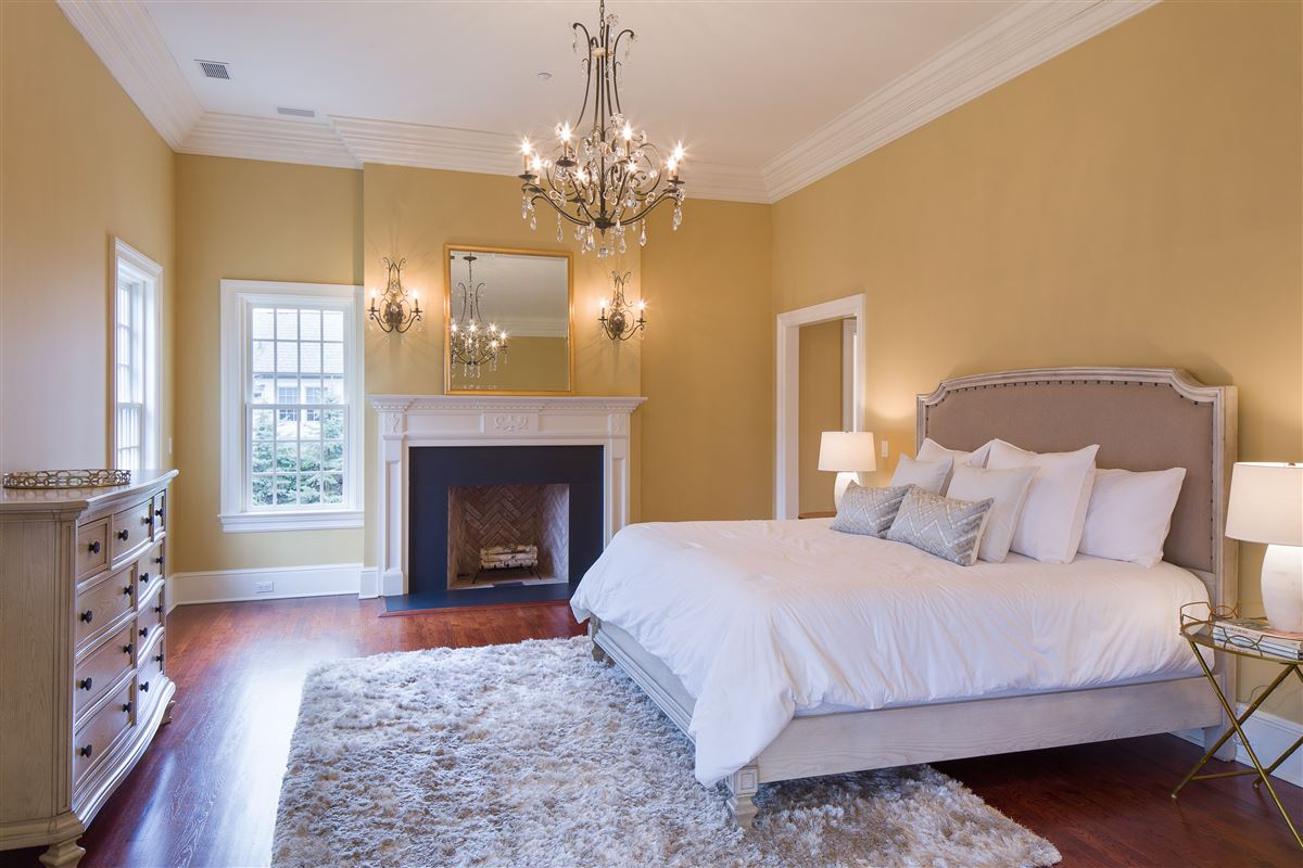 a Classic Shingle-Style Colonial in Purchase Estates  luxury properties
