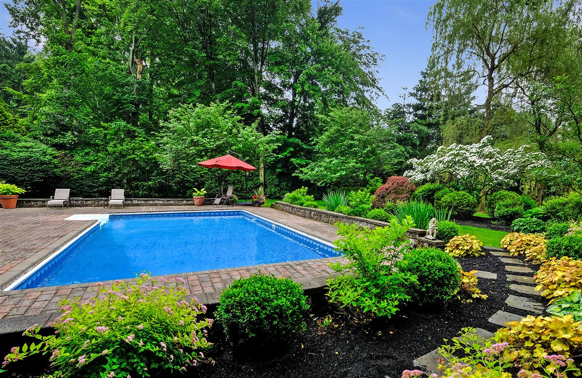 Luxury properties beautiful park like private property