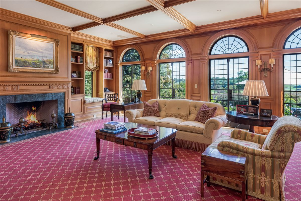 updated Cotswold Tudor Revival in New York mansions