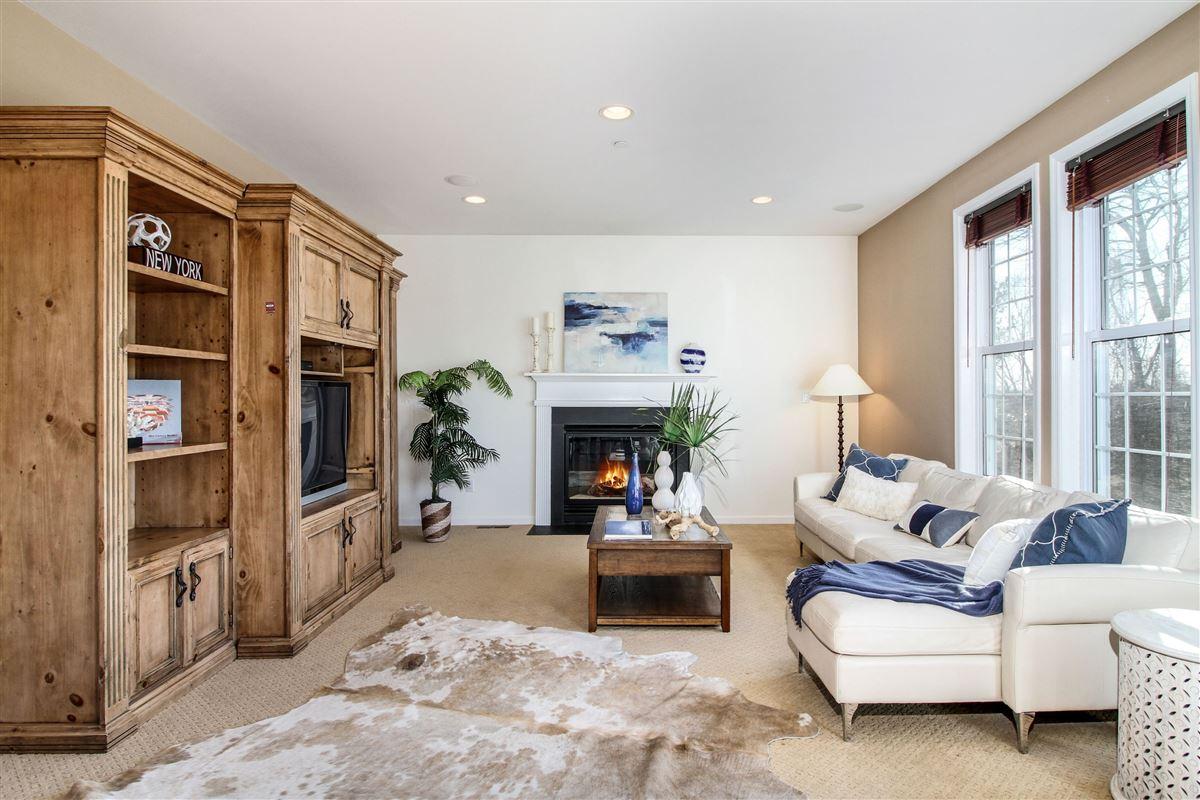 Luxury homes Warm and inviting custom colonial in Bellefair