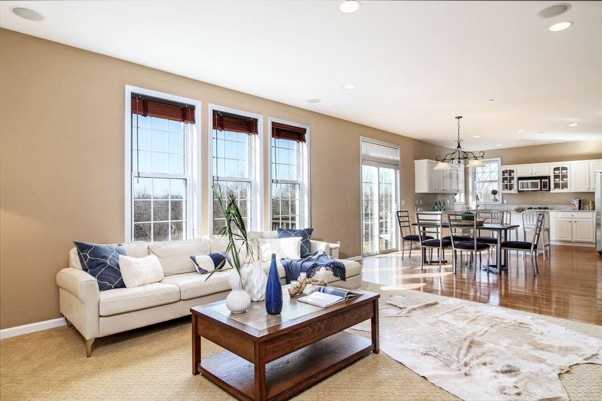 Luxury real estate Warm and inviting custom colonial in Bellefair