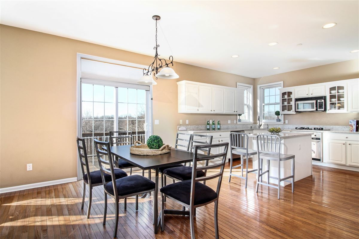 Mansions Warm and inviting custom colonial in Bellefair