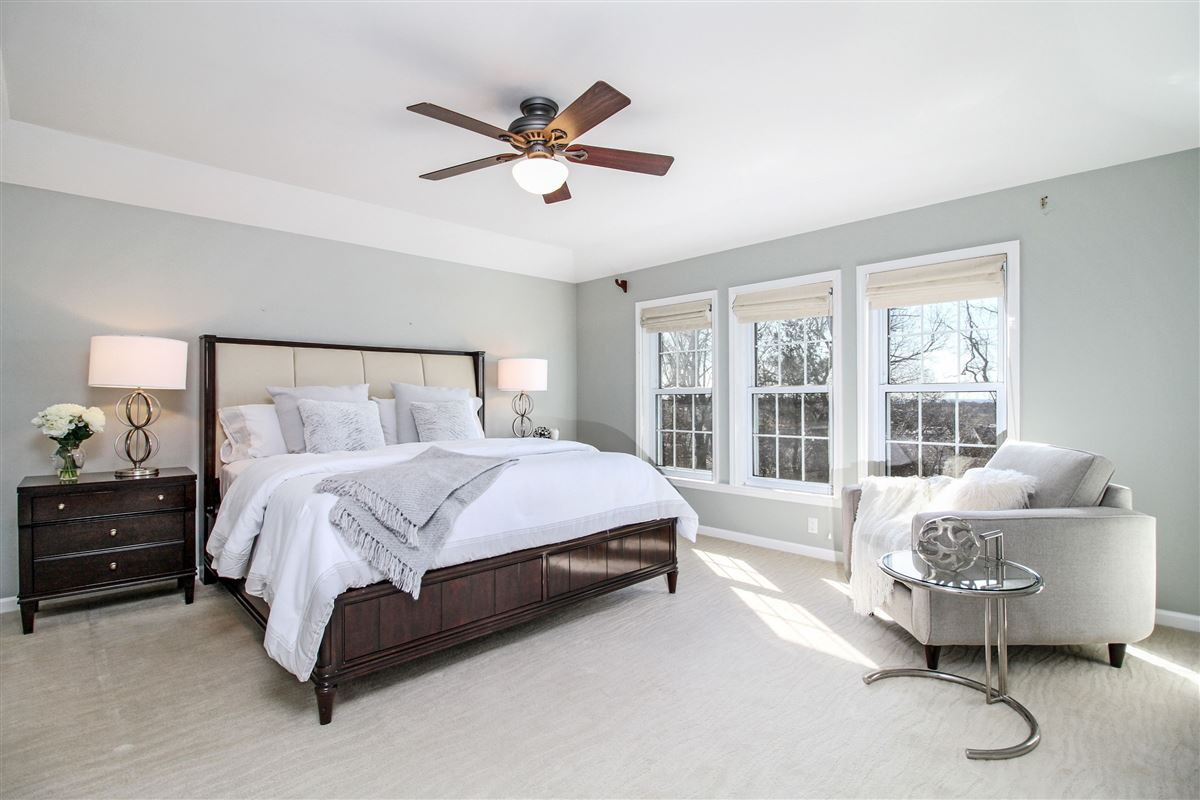 Mansions in Warm and inviting custom colonial in Bellefair