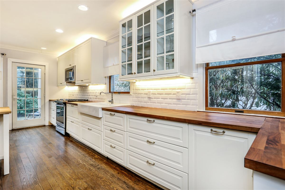 Luxury real estate Tastefully renovated and pristine center hall Colonial