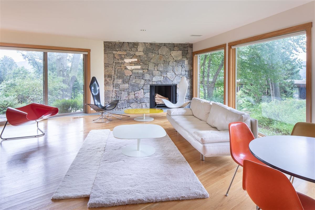 Mansions in Gorgeous mid-century modern with amazing views