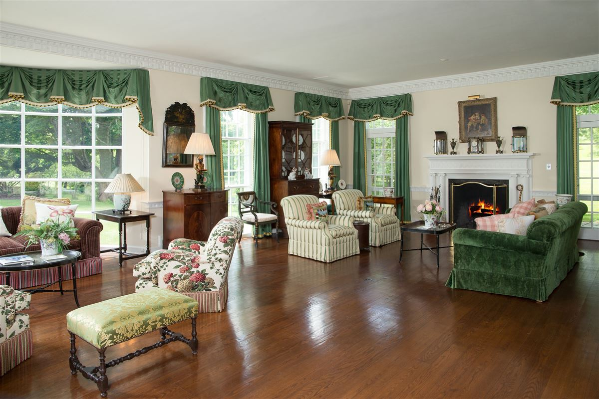 Luxury homes stately Manor House on nearly 400 acres