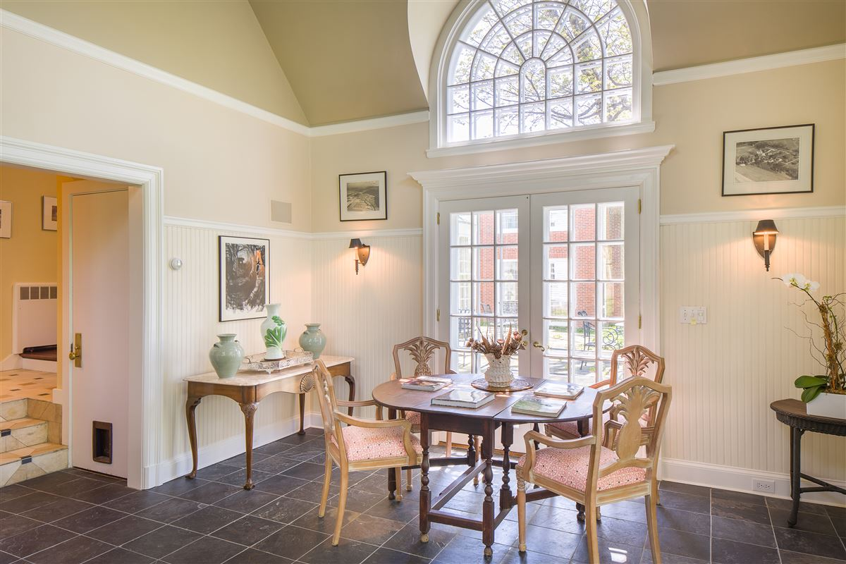 stately Manor House on nearly 400 acres luxury properties