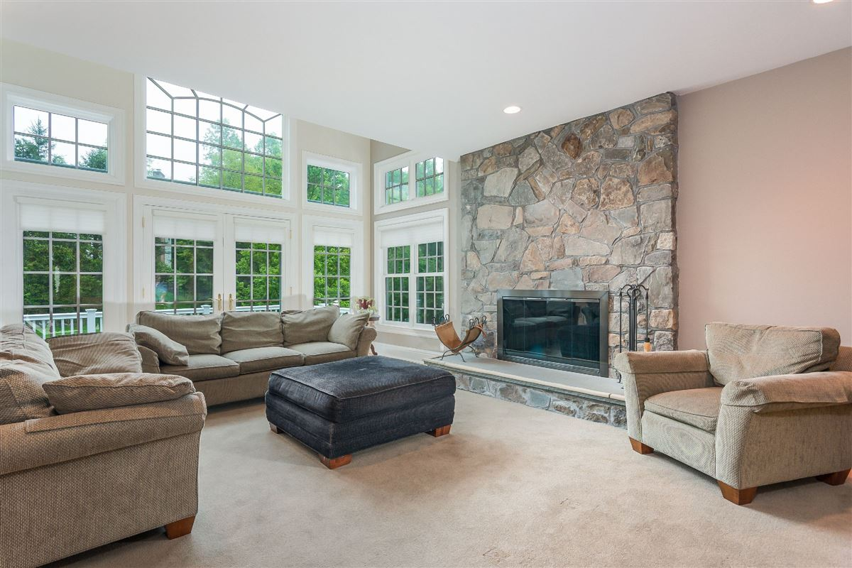 spacious light-filled home boasts great floor plan luxury homes