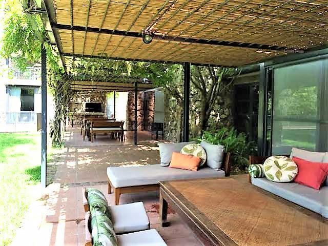 Magnificent modern sleek residence luxury properties