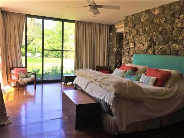 Magnificent modern sleek residence luxury homes
