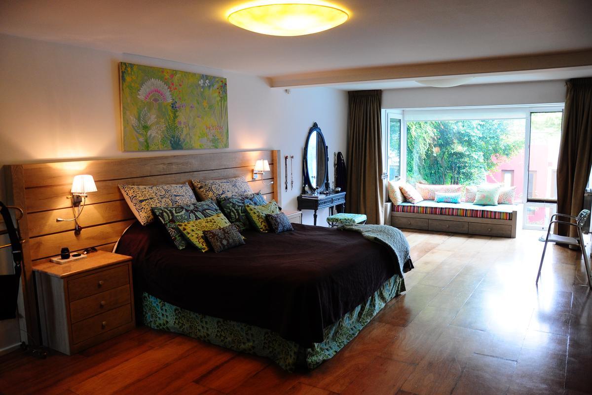 Modern custom built home in Palermo luxury real estate