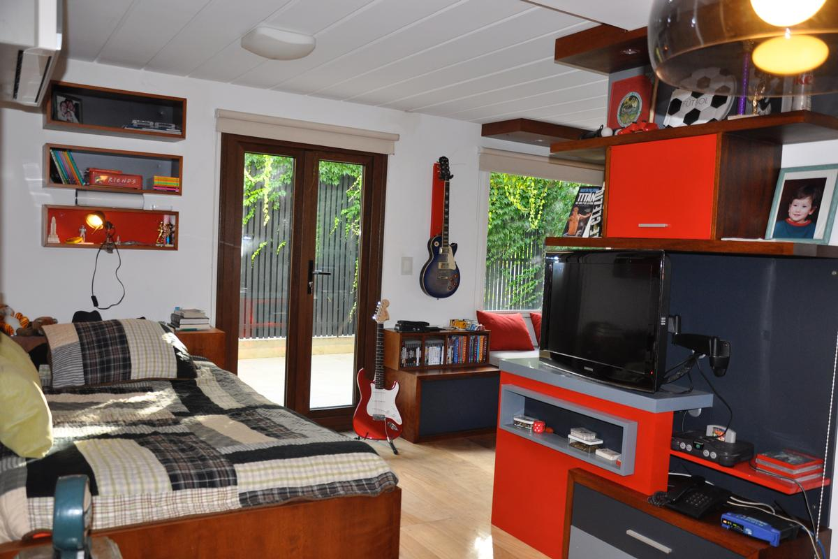 Modern custom built home in Palermo luxury homes