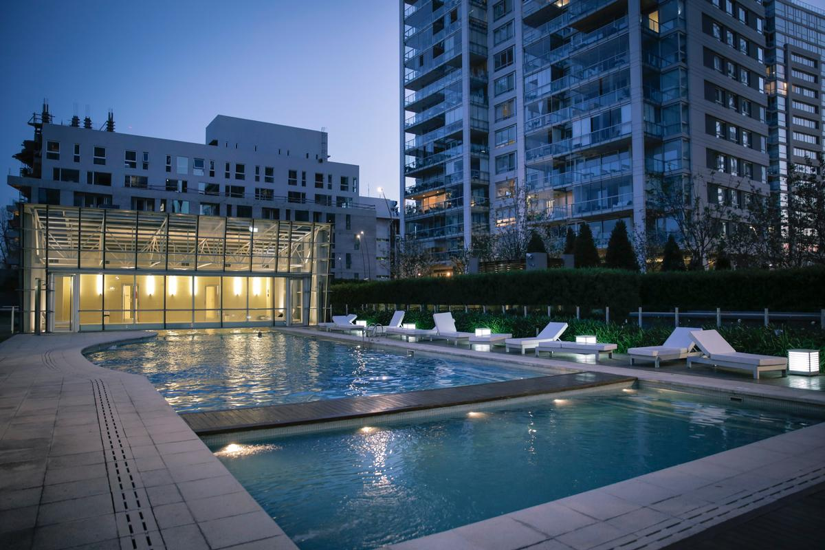 Exclusive apartment in a full-amenities tower luxury homes