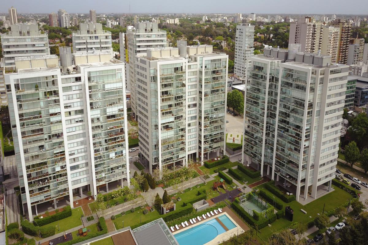 Luxury properties Exclusive apartment in a full-amenities tower