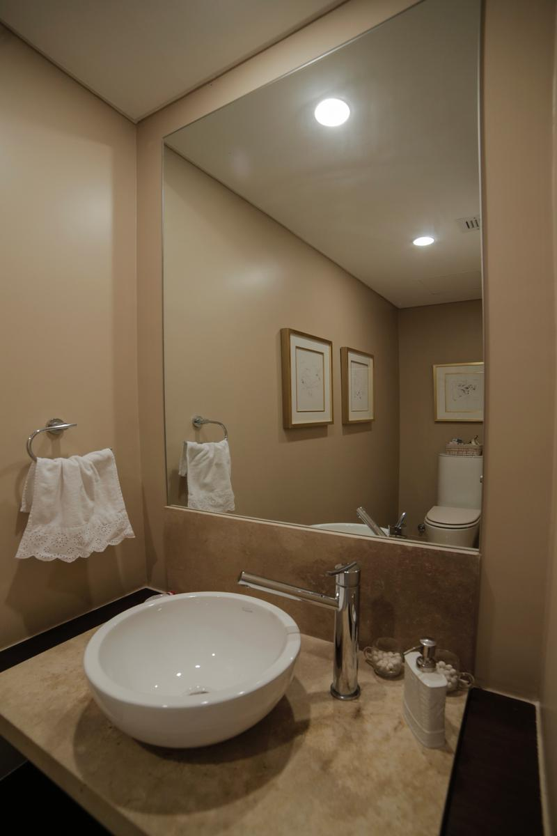 Exclusive apartment in a full-amenities tower luxury real estate