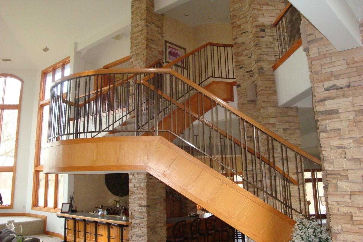 713 N 1800 East Road Milford, IL 60953 luxury homes