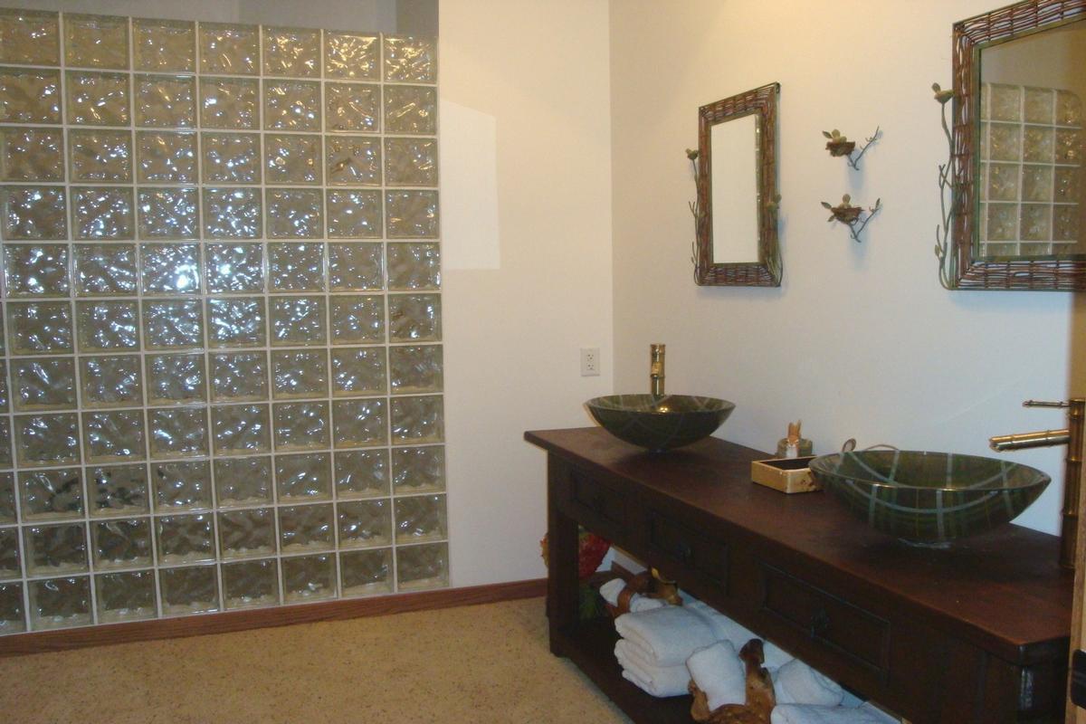 Luxury properties 713 N 1800 East Road Milford, IL 60953