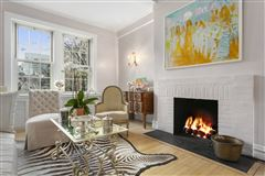 Mansions charming classic New York two bedroom
