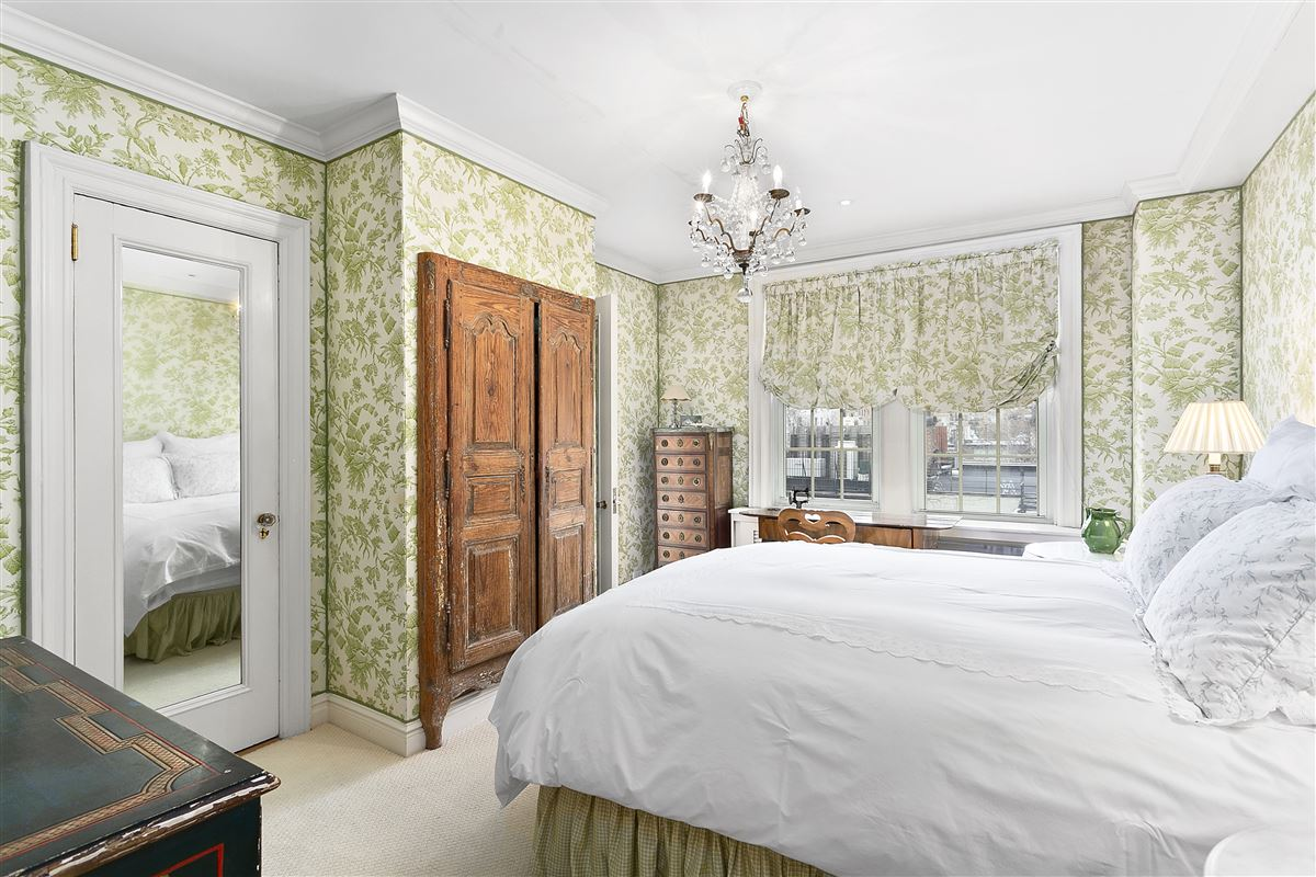 Luxury homes charming classic New York two bedroom
