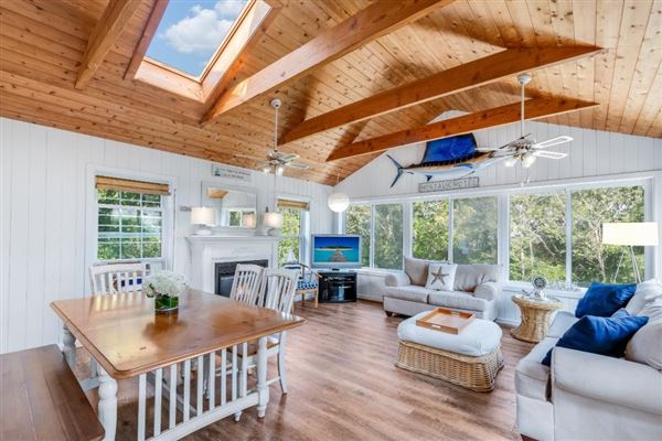 a Montauk escape luxury homes