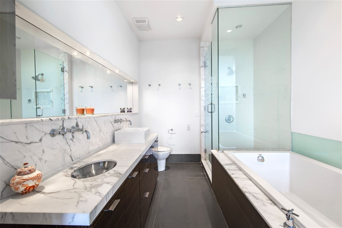 Williamsburg beauty in the Gretsch luxury real estate