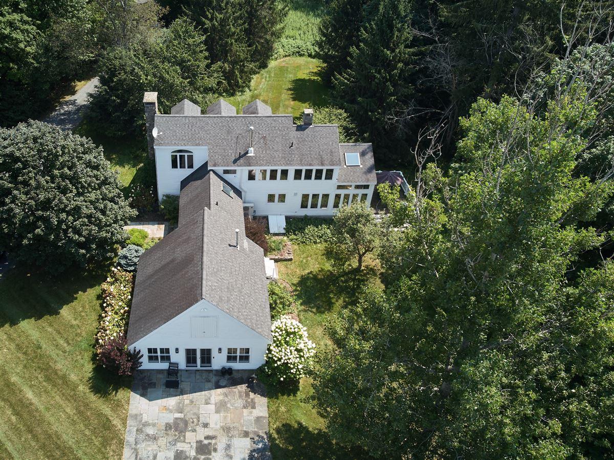 C1825 farmhouse luxury homes