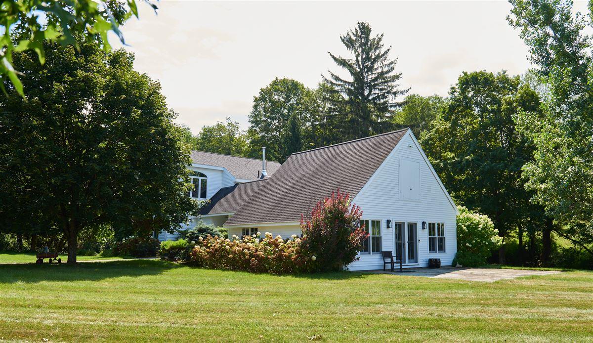 Luxury homes C1825 farmhouse
