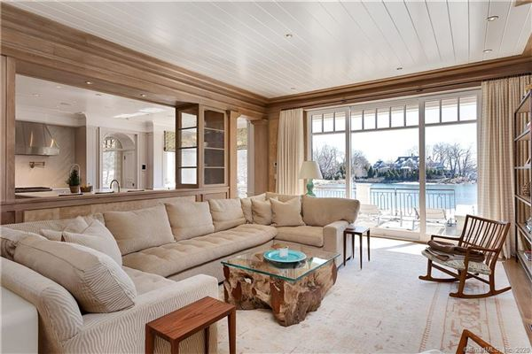 Luxury homes Extraordinary Belle Haven direct waterfront home