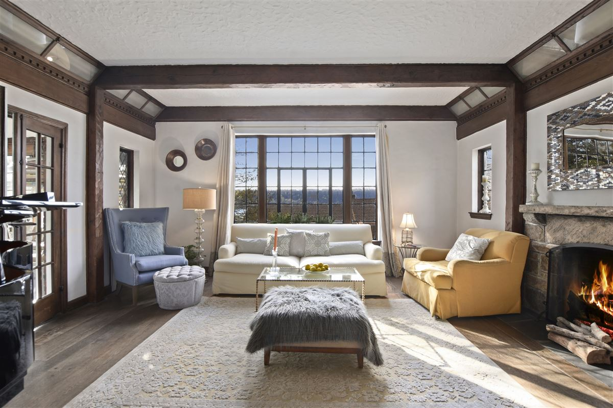 Mansions a special enclave on the banks of Hudson