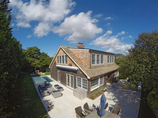 Luxury homes wonderful Completely renovated and expanded property