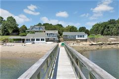 Luxury homes Wallacks Point - PRIVATE WATERFRONT COMPOUND