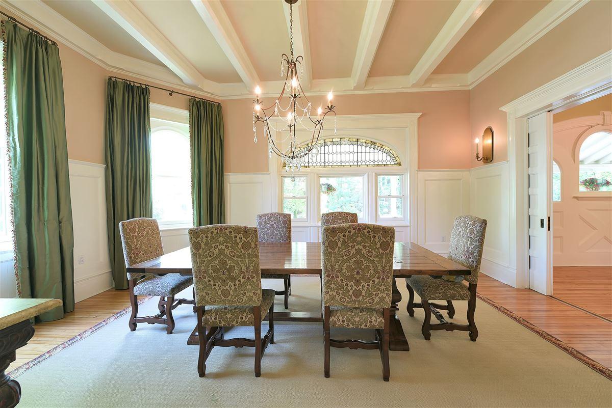 Huestis House luxury real estate