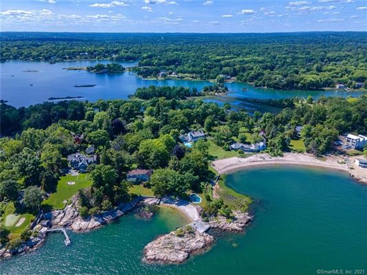 Luxury homes BUILD YOUR WATERFRONT DREAM HOME.
