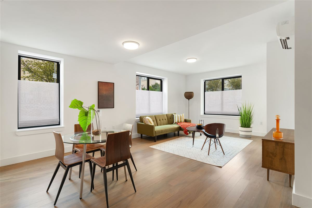 This Luxurious Duplex Corner Home Has It All New York Luxury Homes Mansions For Sale Luxury Portfolio