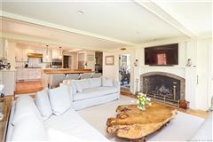 Stylish Expanded Cape home luxury properties