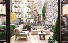 Mansions in Swank and gorgeous townhouse in the West Village