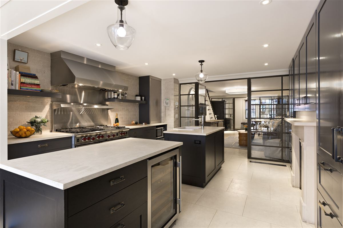 Luxury homes in Swank and gorgeous townhouse in the West Village