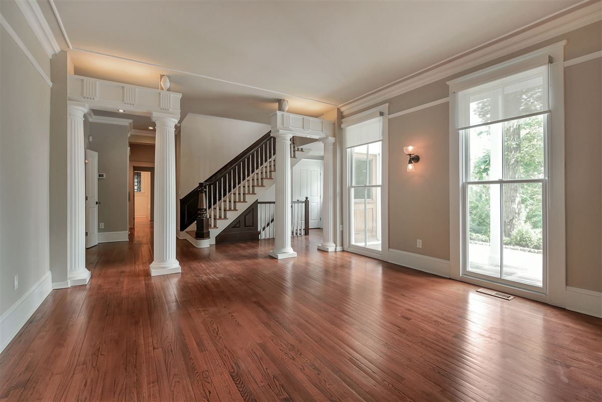 Luxury real estate exquisite home in Eagle Rock Reservation
